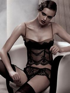 La Perla black label... This is gorgeous in retro style! (Be ready to pay big for La Perla...)