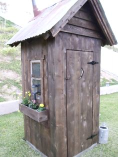 Outhouse Bathroom Decor Cheap Luxury Outhouse Shed Design Woodworking Projects & Plans Backyard Sheds, Outdoor Sheds, Outdoor Gardens, Outside Toilet, Outdoor Toilet, Outhouse Bathroom Decor, Garden Tool Shed, Garden Sheds, Outdoor Projects