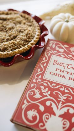 10 best apple pie recipes + my attempt at Thanksgiving decor via @AOL_Lifestyle Read more: http://www.aol.com/article/lifestyle/2016/11/23/10-best-apple-pie-recipes-my-attempt-at-thanksgiving-decor/21612779/