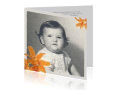 #Rouwkaart met een #schattige #kinderfoto van #vroeger en een mooie #oranje #orchideeën. >>> Bij alle ontwerpen kunt u (eigen) foto's toevoegen, kleuren en lettertypen aanpassen, tekstblokjes en clipart toevoegen.
