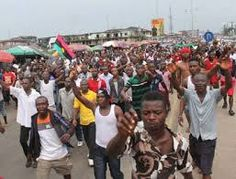 WELCOME TO BLOGSNIGERIA       : PRO BIAFRA SUPPORTERS SHUT DOWN ANAMBRA