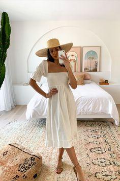 Fashion Beauty, Womens Fashion, Female Fashion, Maternity Dresses For Photoshoot, White Midi Dress, Summer Outfits, Summer Clothes, Spring Summer Fashion, Boho Chic
