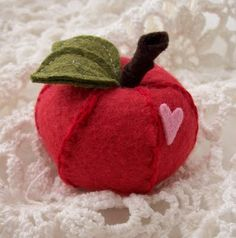 cute little apple -no pattern.. seams aren't always ugly they're needed and this is GREAT