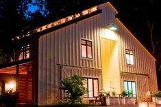 Farmhouse Inn in Forestville - $700 a night to sleep in a barn! (albeit a beautiful one)
