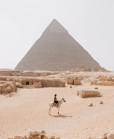 Ägypter & # das größte Geschenk an die Welt. Die Pyramiden zu sehen, nahm… Egyptian & # the greatest gift to the world. To see the pyramids took my breeding … – # Egypt Places To Travel, Places To See, Travel Destinations, Vacation Travel, Travel 2017, Vacation Spots, Winter Destinations, Family Travel, Girl Travel
