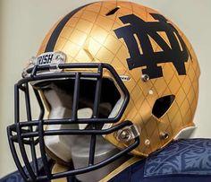 Notre Dame Uniforms Shamrock Series 2014 First time ever that logo appeared on a ND helmet Nd Football, College Football Helmets, Football Uniforms, Notre Dame Football, Football Jerseys, Noter Dame, Go Irish, Irish Baby, Notre Dame Irish