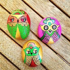 """#owl #stone #stonepainting #stoneart #taşboyama #taş #boyama #baykus ☺️✌️"""
