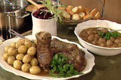 Le ragoût de boulettes et pattes de porc de Claudette Taillefer Ketchup, Quebec, Beef Recipes, Food And Drink, Christmas Recipes, Dumplings, Cheese Straws, Food, Meal