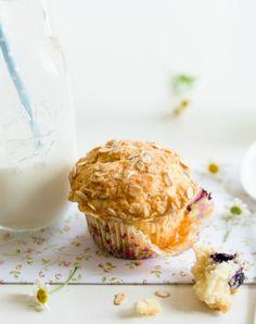 Oats, Bluberry and Yogurt Muffins   Au Petit Goût
