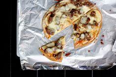 { Little Accidents in the Kitchen }: Breakfast Sunday XLIX & apple lamb pizza