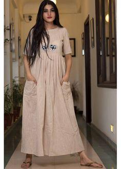 Shop Diamond Motif Dress from Shoprapy ! Long Dress Design, Stylish Dress Designs, Stylish Dresses, Simple Kurti Designs, Kurta Designs Women, Frock Fashion, Skirt Fashion, Indian Maternity Wear, Maternity Dresses
