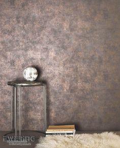 36-geode-02 Eine dunkel-braune Uni mit Glanzeffekt in Bronze schimmert schön an der Wand.