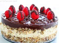 Raw velsmakende after- eight kake, kjærlighetspistasje i sjokoladedypp, sunn gulrotkake og bursdagsfeiring! |