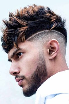 Hair highlights create a perfect summer hair look on any hair colour and length. In our guide, you will find ideas for any taste, from blondes and grey highlights on long blond hair to dark streaks on short and medium length black locks. #menshaircuts #menshairstyles#menshighlights #highlightsformen #hairhighlights