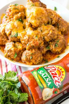 Slow Cooker Cheesy Enchilada Meatballs: Craving meatballs and enchiladas? Made with spicy enchilada sauce and taco seasoning, these cheesy meatballs are calling your name. Cheesy Enchiladas, Chicken Enchiladas, Cheesy Meatballs, Crock Pot Meatballs, Slow Cooker Recipes, Crockpot Recipes, Healthy Recipes, Yummy Recipes, Goulash