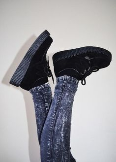 Creepers and dark acid wash denim. Add a flannel and a band tee, and I'm sold