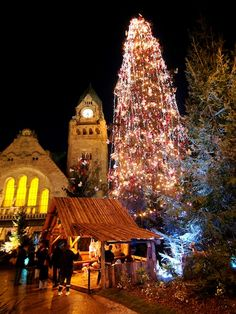 Metz Christmas Market in Place de la Gare © Ville de Metz - Christian Legay, Marc Royer