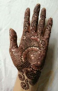 Browse the latest Mehndi Designs Ideas and images for brides online on HappyShappy! We have huge collection of Mehandi Designs for hands and legs, find and save your favorite Mehendi Design images. Henna Hand Designs, Mehndi Designs Finger, Mehandi Design For Hand, Full Hand Mehndi Designs, Mehndi Designs For Beginners, Mehndi Designs For Fingers, Henna Tattoo Designs, Heena Design, Dulhan Mehndi Designs