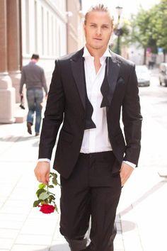 Sløyfe som knytes selv Suit Jacket, Breast, Suits, Jackets, Fashion, Down Jackets, Moda, Fashion Styles, Suit