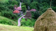 Turism Romania, Embedded Image Permalink, Beautiful Places, Scenery, Landscape, Mountains, Plants, Pictures, Cottages