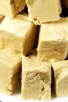 Marshmallow Peanut Butter Fudge Recipe #fudge #peanutbutter #glutenfree #dessert #recipe #marshmallow #peanutbutterfudge #holiday #christmas #desserts #marshmallows #recipes