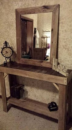 Pallet Furniture Projects Pallet Entryway Table With Mirror Pallet Furniture Pallet Decor, Home Decor Items, Home Furniture, Wood Pallets, Rustic Furniture, Home Decor, Wooden Pallet Furniture, Furniture Projects, Wood Furniture