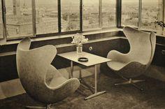 """Arne Jacobsen's """"The Egg"""" Hotel Royal Copenhagen www.roomsofart.com"""