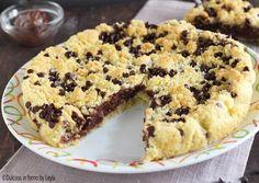 La Sbriciolata alla nutella cremosa è una torta facilissima e veloce. Formata da due strati di frolla e una farcitura cremosa di nutella e ricotta.