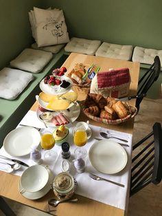 ontbijt in onze B&B Merel en Mos B & B, Dairy, Cheese, Breakfast, Bed, Morning Coffee, Stream Bed, Beds, Bedding
