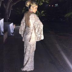 #ShareIG Detalhes do meu vestido escolhido para hoje!  { Agradecimento especial ao meu amigo, estilista do coração @josevitorz!!! Obrigada pelo vestido lindo feito exclusivamente para Emporium Lolithà, AMEI! ✨ Love You!!! } #emporiumlolithà #dress #party #VZ #invernololithà #VitorZerbinato #casamentoFernandaePedro