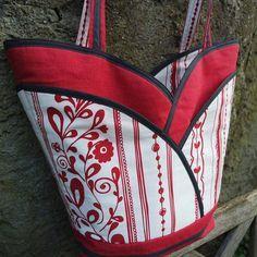 Cozy Nest Designs - petal purse, tote & make-up bag sewing patterns!