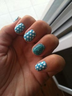 Hey ladies, anyone know how to do nail art? Tell us about it! What do you use? What is your favorite design?