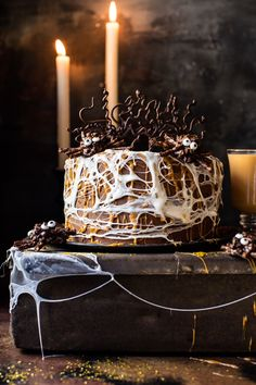 Forbidden Forest Chocolate Butterbeer Cake 15 Scarily Delicious Halloween Desserts Guaranteed To Slay Any Party Halloween Desserts, Pasteles Halloween, Soirée Halloween, Halloween Treats, Halloween Dinner, Scary Halloween Cakes, Halloween Baking, Halloween Cookies, Cupcakes
