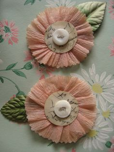 New Ideas For Vintage Cards Diy Flower Faux Flowers, Diy Flowers, Vintage Flowers, Fabric Flowers, Paper Flowers, Flower Diy, Scrapbook Embellishments, Vintage Crafts, Crepe Paper