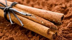 Weight loss is often a difficult part of living with PCOS. Many women find that losing weight is next to impossible when living with PCOS. Cinnamon may be one natural way to improve weight loss in women with PCOS. Dieta Candida, Candida Diet, Systemic Candida, Candida Cleanse, Pcos Diet, Smoothie Detox, Smoothies, Natural Remedies, Home Remedies