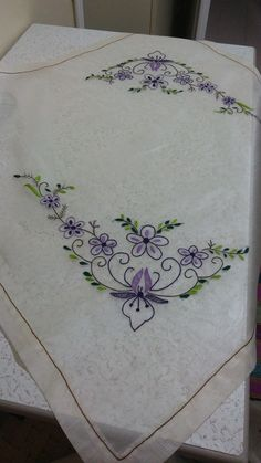 Hardanger Embroidery Floral Embroidery Hand Embroidery Embroidery Patterns Linen Napkins Bargello Rococo Hobbies And Crafts Blouse Designs Embroidery Store, Bead Embroidery Patterns, Hand Embroidery Flowers, Embroidery Works, Embroidery Transfers, Hand Embroidery Stitches, Free Machine Embroidery Designs, Silk Ribbon Embroidery, Vintage Embroidery