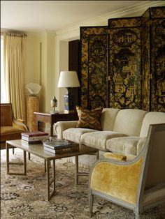 SOMETHING SPECIAL | Mark D. Sikes: Chic People, Glamorous Places, Stylish Things Go pale yellow, gold & black for sitting room? Move blue and white to dining?