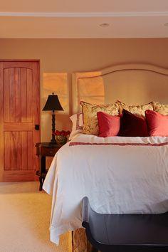 Design by Nicole Yee www.nicoleyee.com Gold Master Bedroom