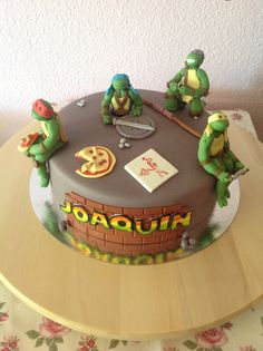 Teenage Mutant Ninja Turtles fondant birthday cake. (Tortugas Ninja)
