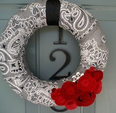 I see this in red, white, and blue for a great Independence Day wreath!