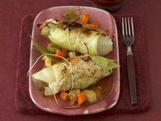 Kohlroulade mit Kartoffelpüree ist ein Rezept mit frischen Zutaten aus der Kategorie Gemüse. Probieren Sie dieses und weitere Rezepte von EAT SMARTER!