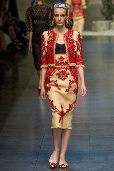 Milan Fashion Week: Dolce  Gabbana Spring / Summer 2013 Ready-to-Wear