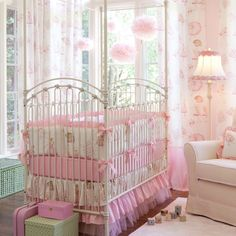 Lovely Baby Girls' Bedroom Designs in Pink: The Unique Lights Of Pink Nursery Room Design Ideas For Baby Girls Baby Girl Bedding, Pink Bedding, Baby Cribs, Ballerina Nursery, Baby Ballerina, Nursery Room, Girl Nursery, Nursery Ideas, Nursery Decor