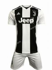 Juventus Home Black and White Soccer Uniform Cheap Football Shirts, Football Jackets, Soccer Uniforms, Soccer Jerseys, Juventus Soccer, Polo Shirt, Black And White, Shopping, Tops