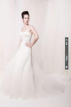 Sarah Houston lace dress   VIA #WEDDINGPINS.NET