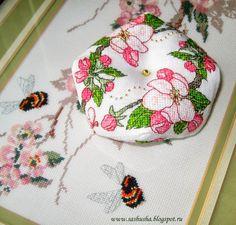 Apple Blossom Biscornu от Faby Reilly