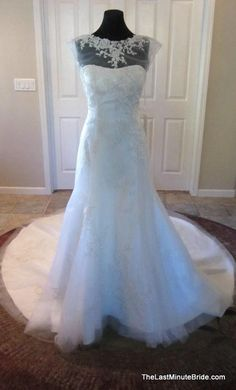Casablanca 2076: buy this dress for a fraction of the salon price on PreOwnedWeddingDresses.com