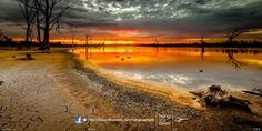 Kings Billabong, Mildura by Oat Vaiyaboon on Murray River, Land Of Oz, Victoria Australia, Billabong, Wonderful Places, Places To Visit, Country Roads, Sunset, Beach