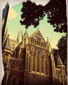 Wisdom charity beauty in a frame www.couchflyer.com #southwark #cathedral #church #london #londonbridge #greatbritain #england #thames