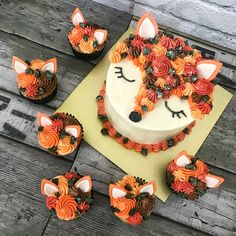 Whimsy Bakes on [Foxs Summer ] - Cake - Pretty Cakes, Cute Cakes, Beautiful Cakes, Amazing Cakes, Tortas Deli, Cake Cookies, Cupcake Cakes, 3d Cakes, Fox Cake